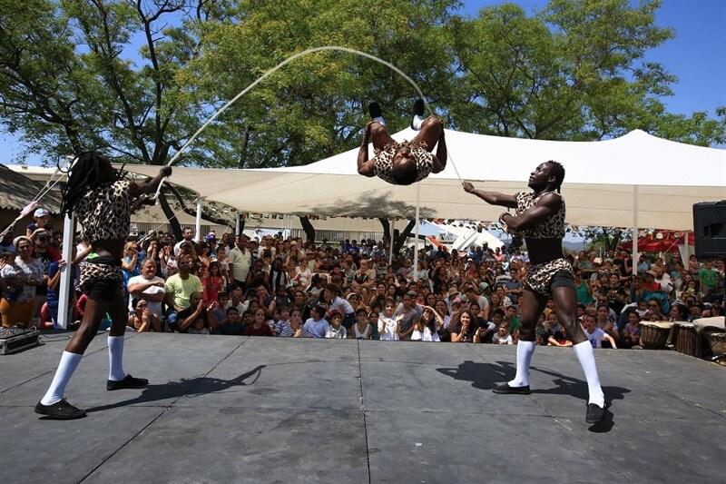 מופע להטטנות אפריקאי ביום גיבוש קבוצתי